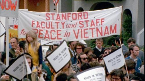Stanford-Facutly-and-Staff-sign-small